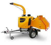 Powerful chipper with petrol engine on braked chassis (38 HP) LS 160 PPB