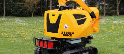 Powerful chipper on tracked chassis with remote controller LS 160 DW Track