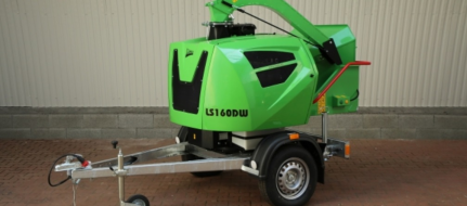 Powerful chipper with diesel engine LS 160 DW