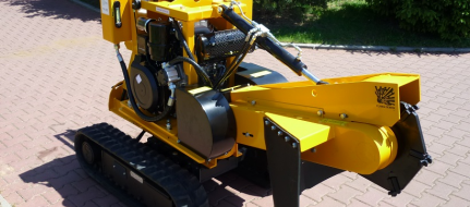 Stump cutter on crawler chassis with manual control P 26 M