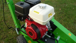 Light hand-operated stump cutter powered by Honda engine F 360 SW/11